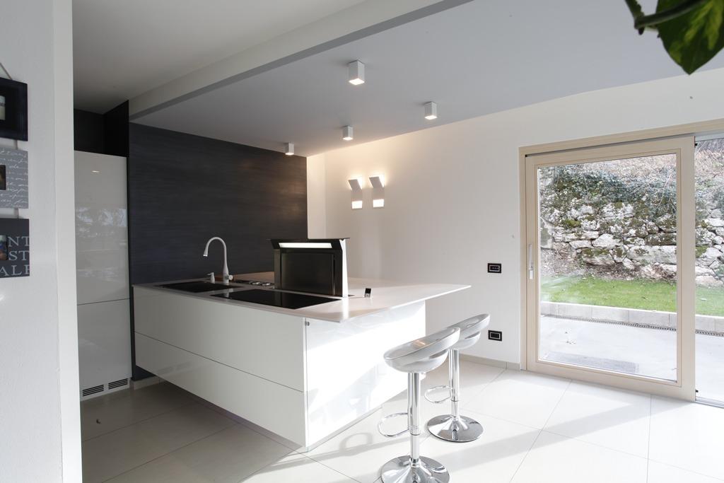 Cucina Gipsy bianco lucido composizione tipo Moderno Mondo Convenienza ...