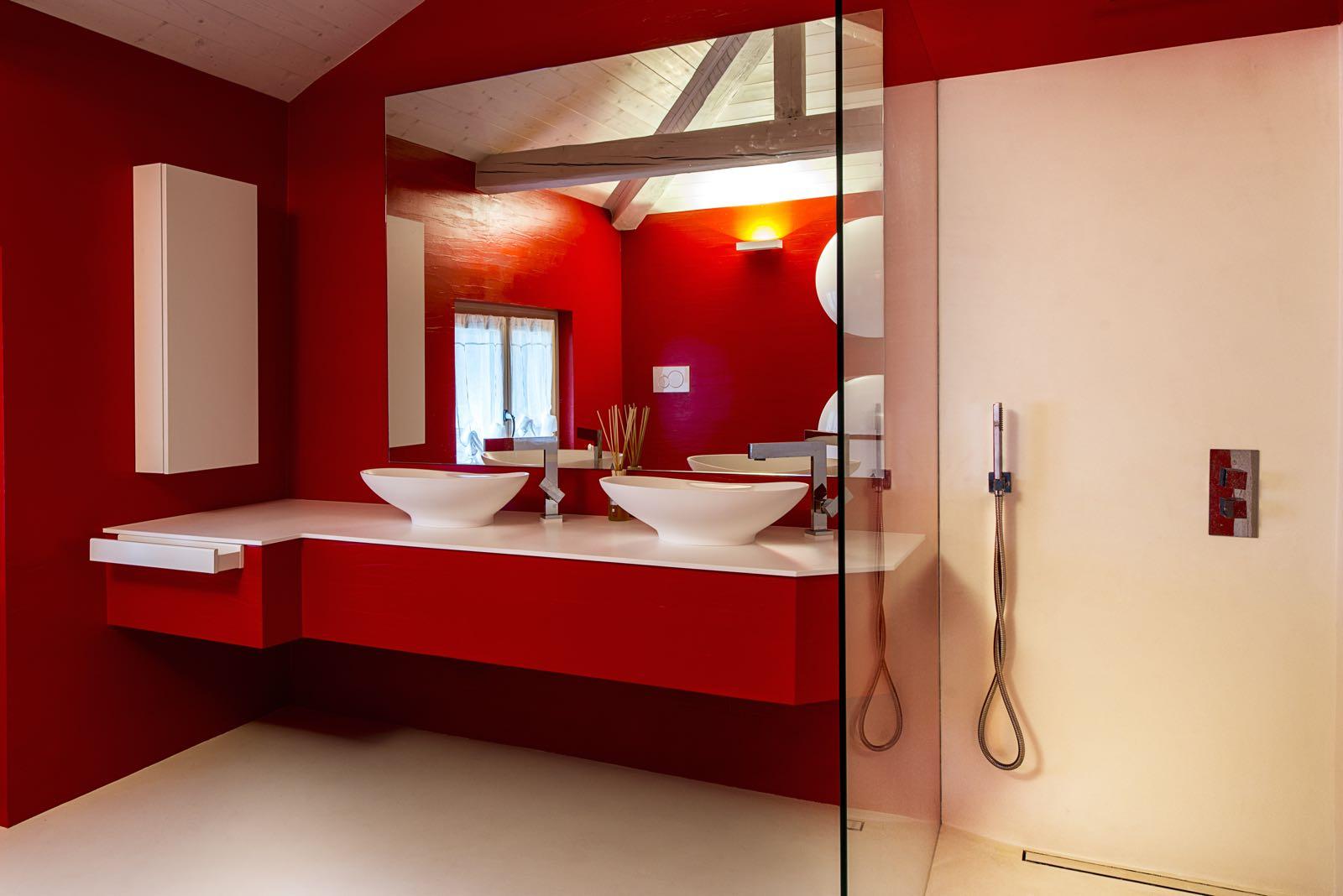 Bagni moderni colorati design casa creativa e mobili ispiratori - Rivestimenti bagno moderni ...